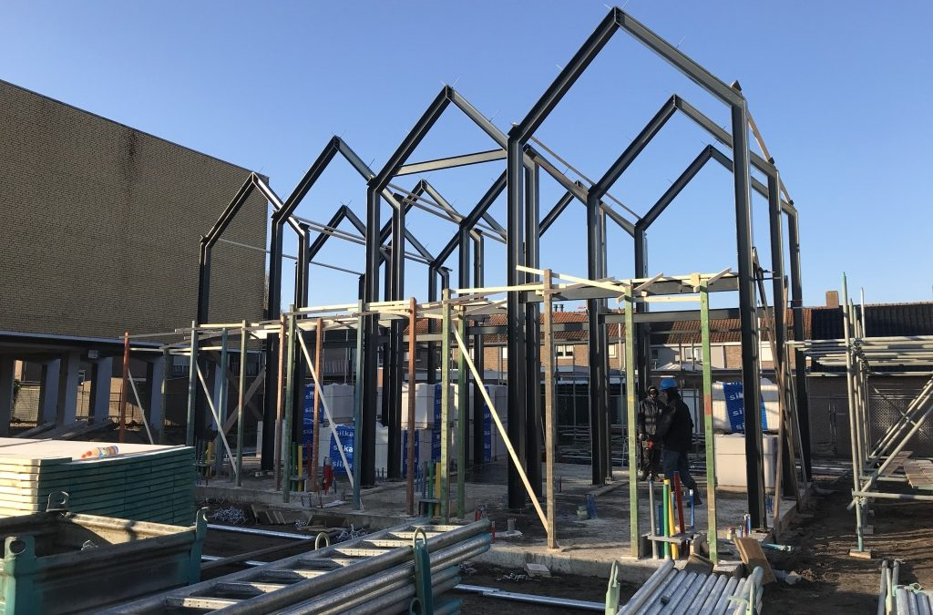 """Voortgang bouwwerkzaamheden Microwoningen type """"De Mus"""" Waalwijk: Staalconstructie"""