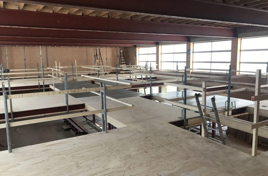 Voortgang bouwwerkzaamheden Gymzaal Waalwijk: Verdiepingsvloeren 4 Lofts.